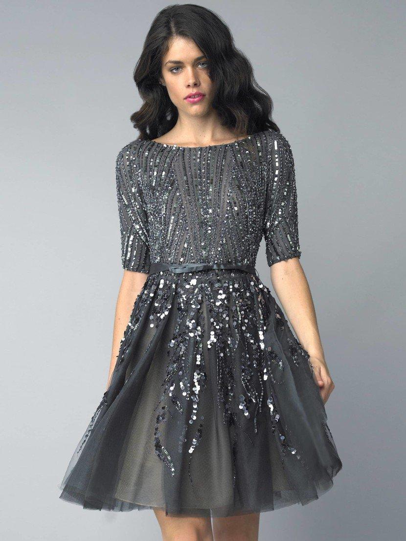 Черное коктейльное платье.