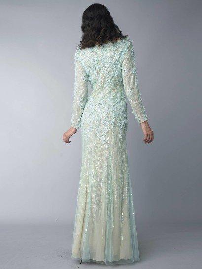 Вечернее платье с рукавами пастельного мятного оттенка.