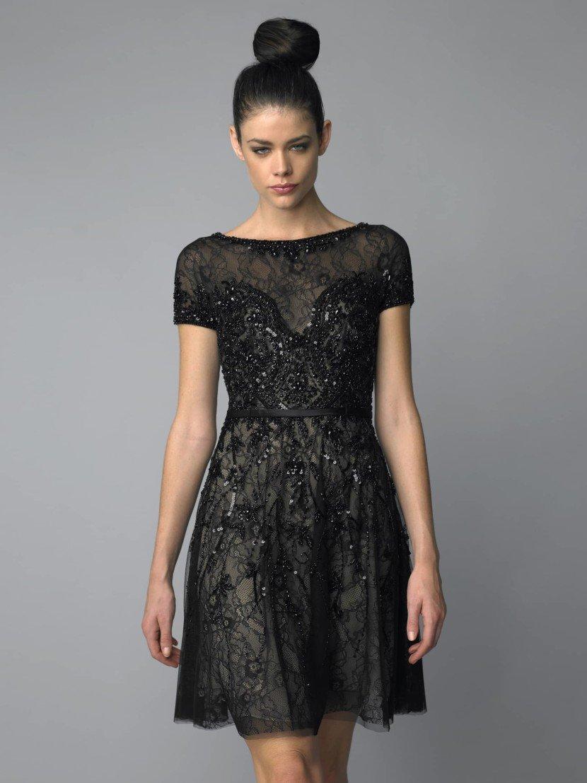 Коктейльное черное платье.