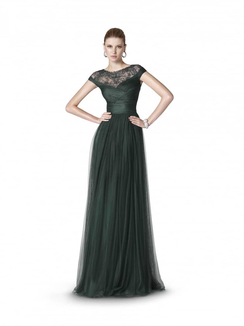 Эротика с моделями в шикарных вечерних платьях 21 фотография