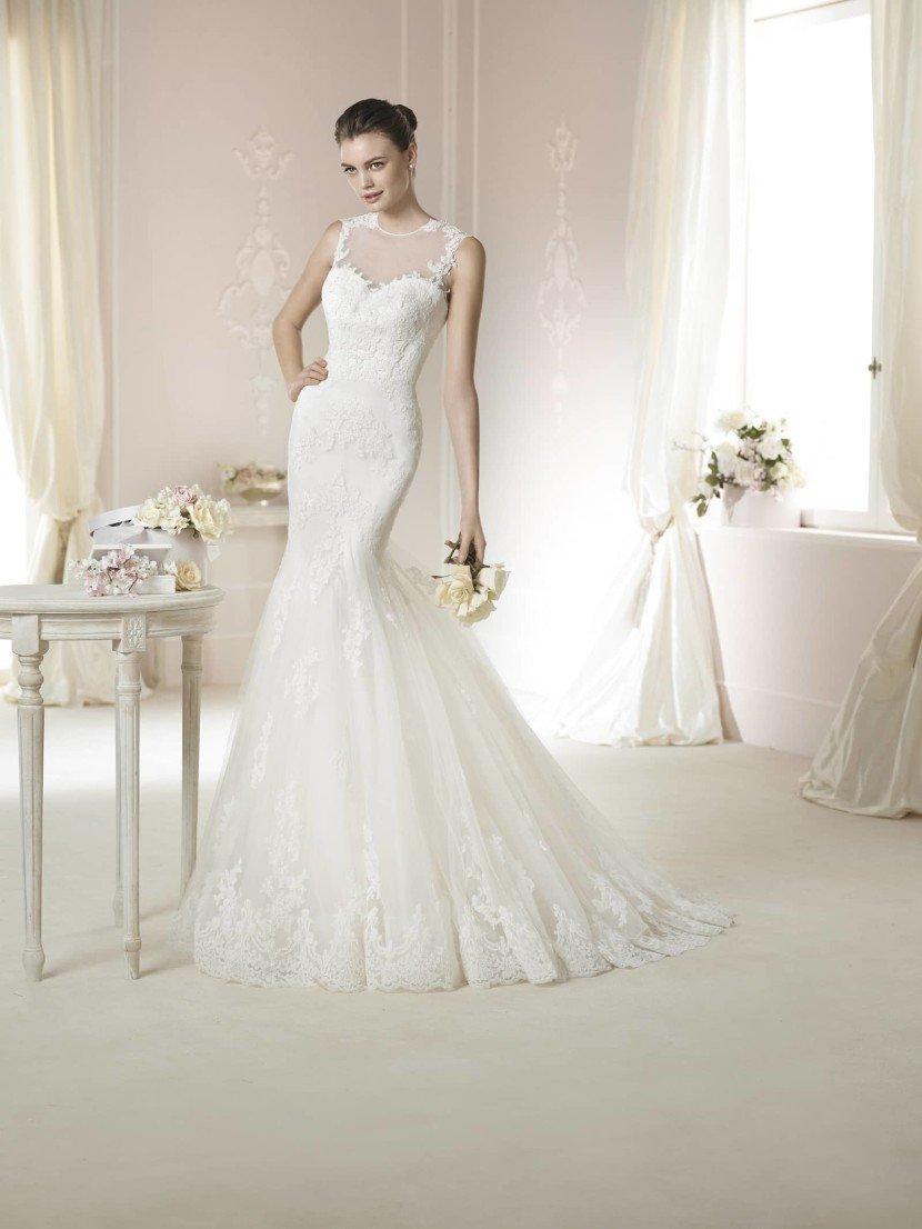 Закрытое свадебное платье DAIMI от White One 2015.