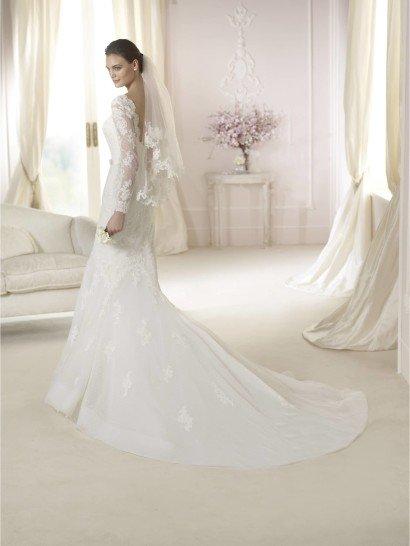 Свадебное недорогое платье русалка для романтичной невесты.
