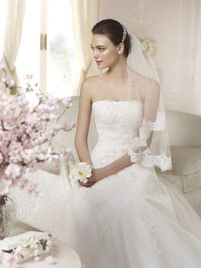 Свадебное платье с прямым декольте Danladi от White One 2015.