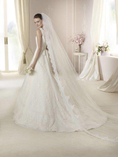 Нежное свадебное платье.