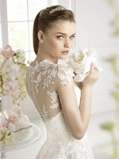 Свадебное платье А-силуэта GABIL от Avenue Diagonal.