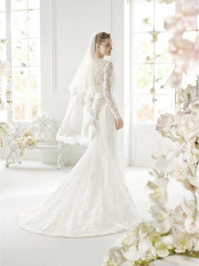 Закрытое свадебное платье GINETTE от Avenue Diagonal.