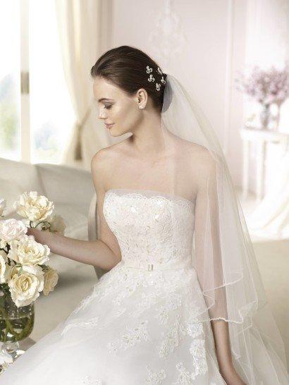 Свадебное платье А-силуэта с открытым декольте White One DANILA 2015 года в салоне Виктория! ✆ +7 495 6276242