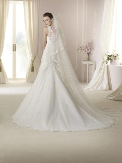 Закрытое свадебное платье русалка DASHA от White One 2015.