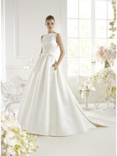 Стильное атласное свадебное платье White One GENET 2015.