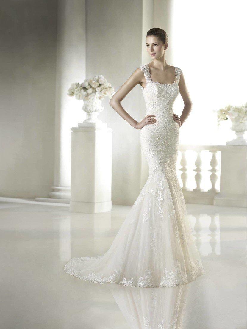 Свадебное недорогое платье рыбка на бретелях.