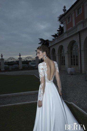 Свадебное платье с разрезом 1114 от Berta Bridal.