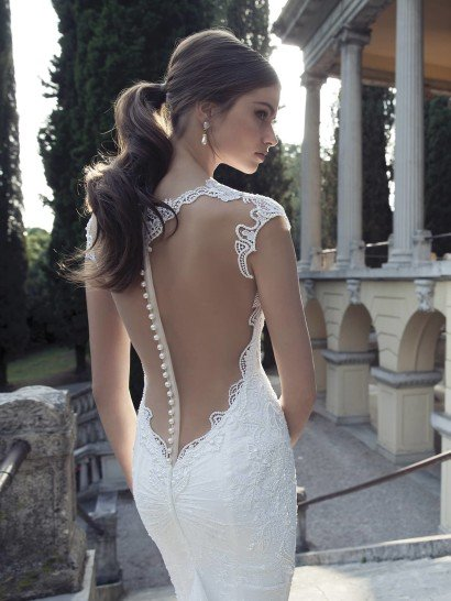 Свадебное платье с декольте Berta Bridal 1420.