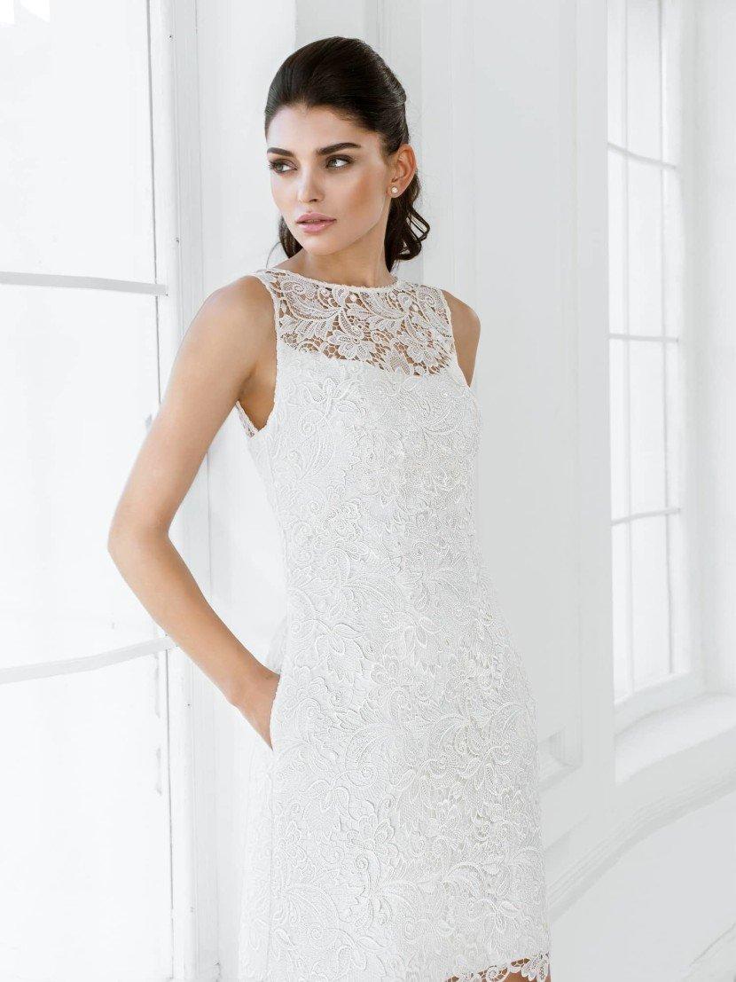 Короткое кружевное свадебное платье 2015.