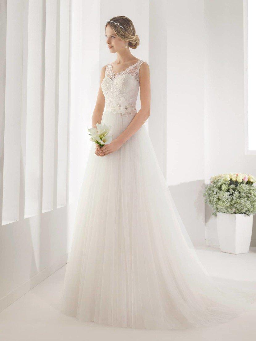 Свадебное платье из тюльмарина.