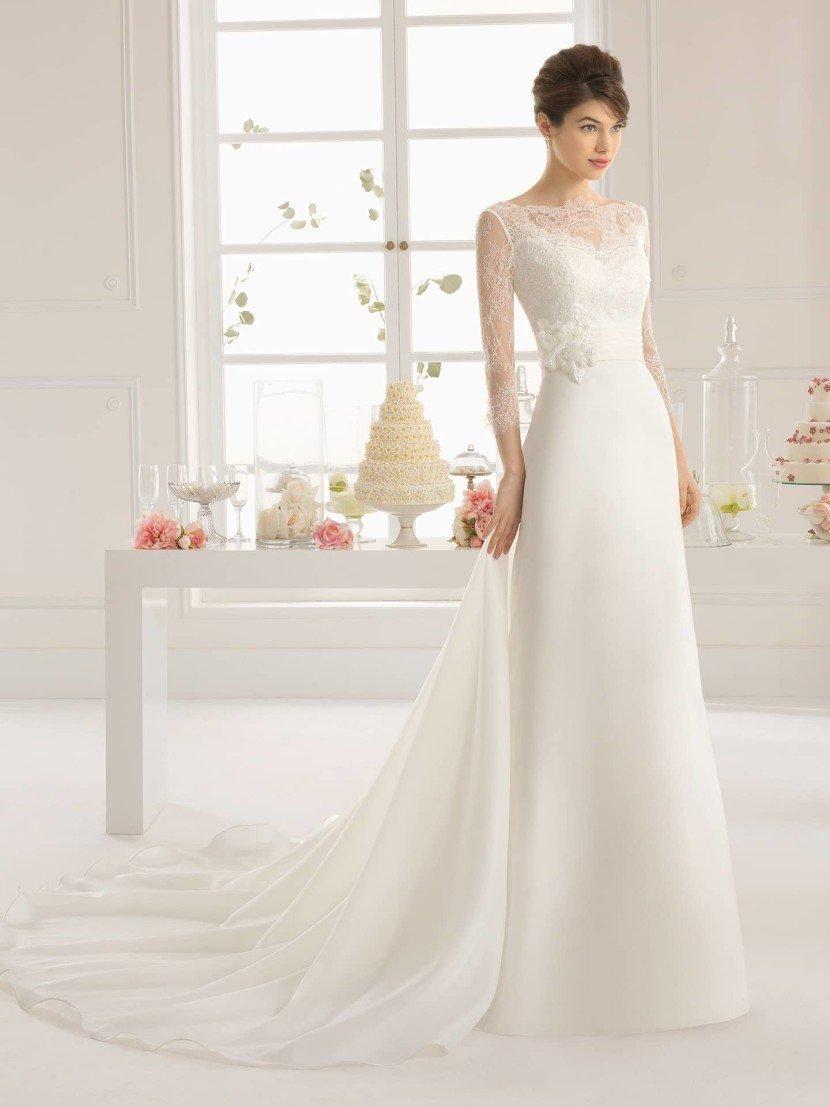 Элегантное свадебное платье с прямым силуэтом 2015.