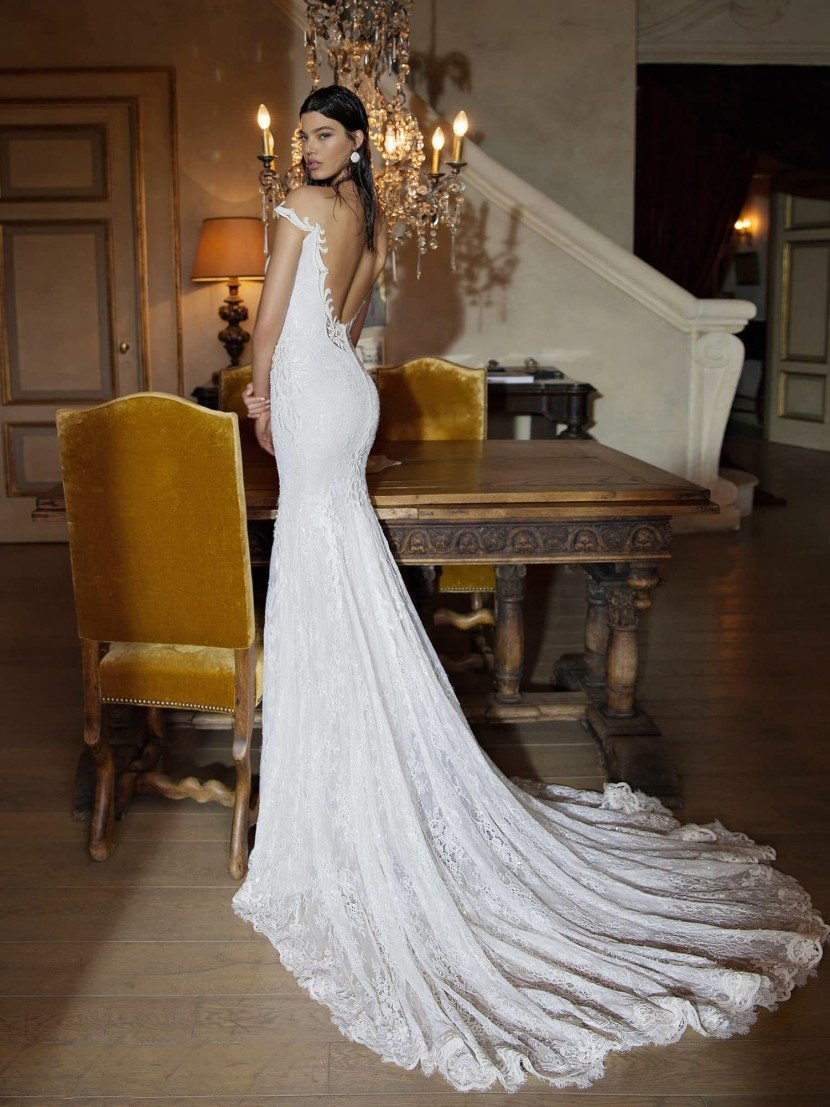 Свадебное платье со шлейфом 1508 Berta Bridal.
