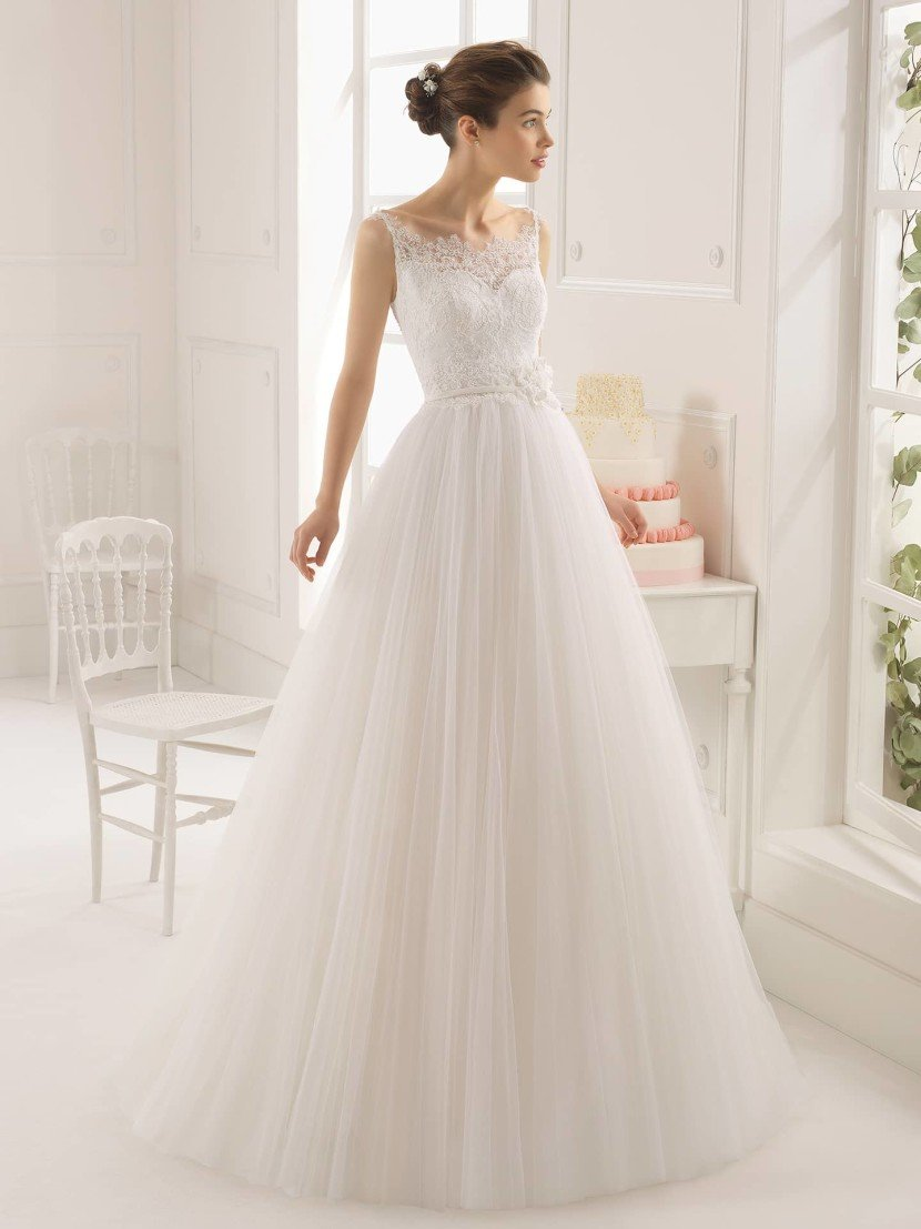 Свадебное платье 2015 на бретелях.