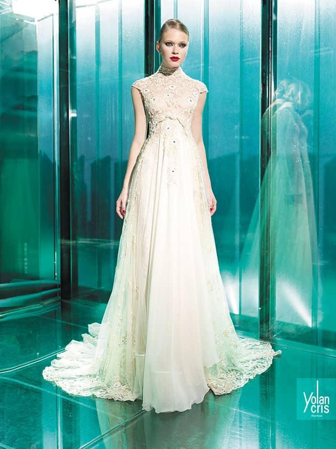 ffe7df5cd25 Свадебное прямое платье Yolan Cris BONNY ✓ купить в салоне Виктория!