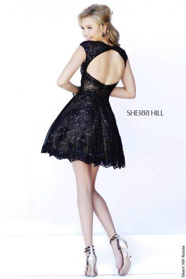 Короткое черное выпускное платье.