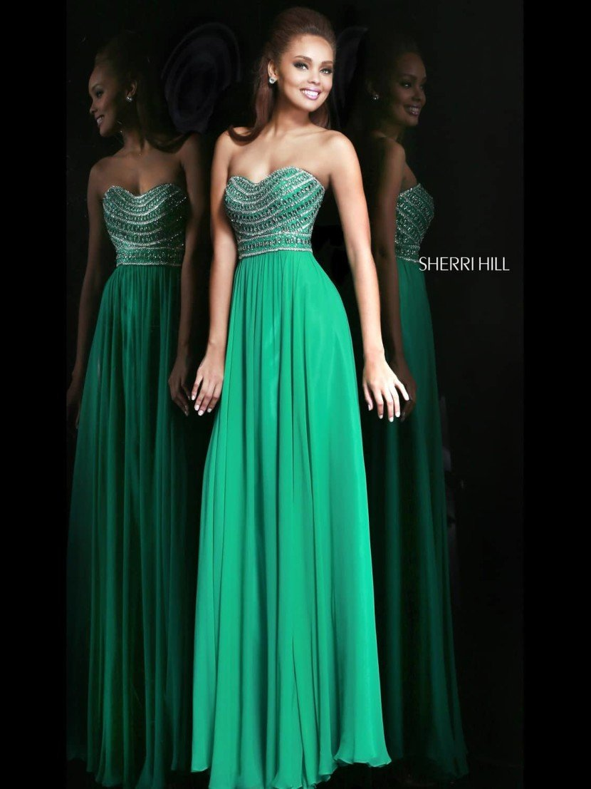 Зеленое выпускное платье Sherri Hill.