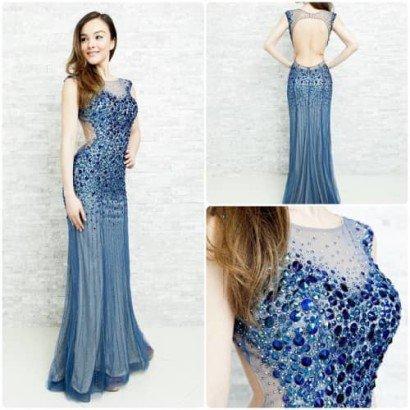 Темно-синее длинное платье для выпускного.