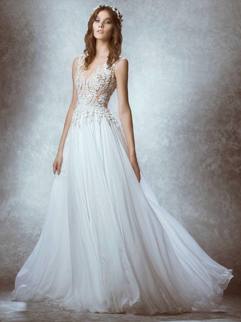 Дорогое свадебное платье с кружевом.
