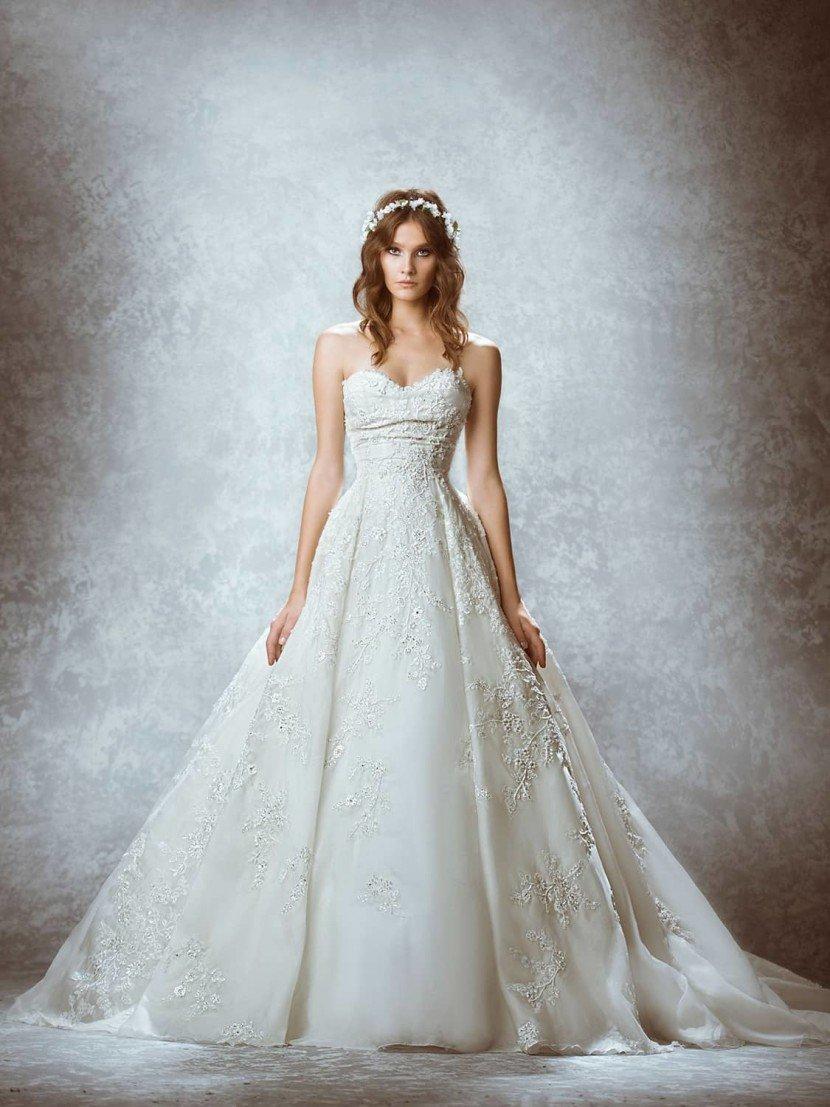 Дорогое свадебное платье А-слуэта 2015.