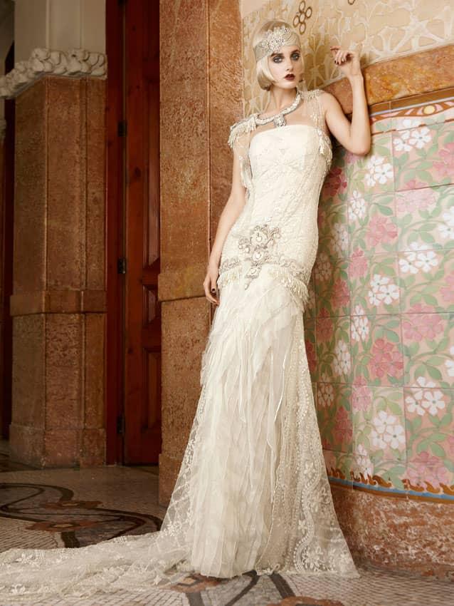 Дорогое свадебное платье в бохо-стиле.