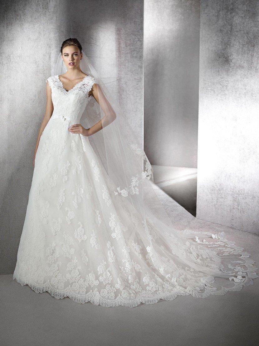 Свадебное платье в стиле принцесса.
