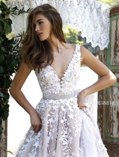 Белое платье на выпускной.