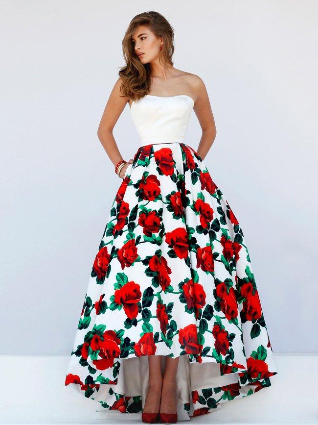 Платье на выпускной с принтом.