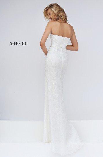 Белое узкое платье на выпускной.