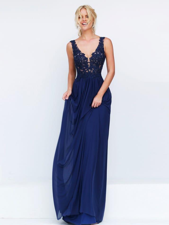 Темно-синее прямое платье на выпускной.