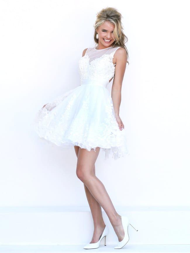 5abb4b64e7d Белое короткое пышное платье на выпускной Sherri Hill 50311 ...