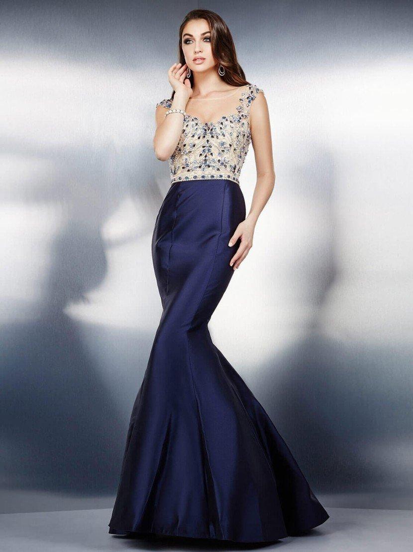 вечернее платье «русалка» темно-синего цвета.