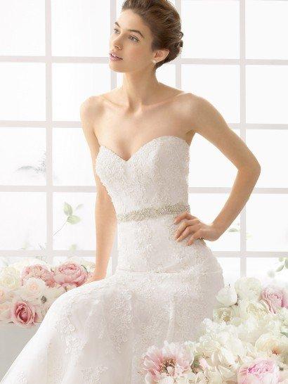 Свадебное платье «русалка» с вышивкой из бисера.