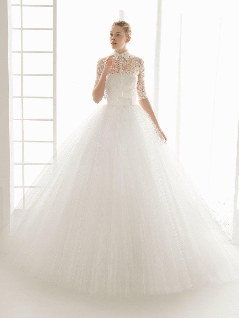 Пышное свадебное платье из фатина.