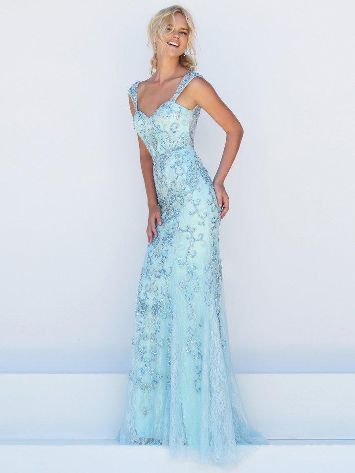 Прямое голубое выпускное платье с отделкой из вышивки и кружева.