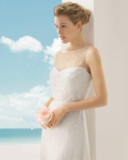 Свадебное платье расшитое пайетками.