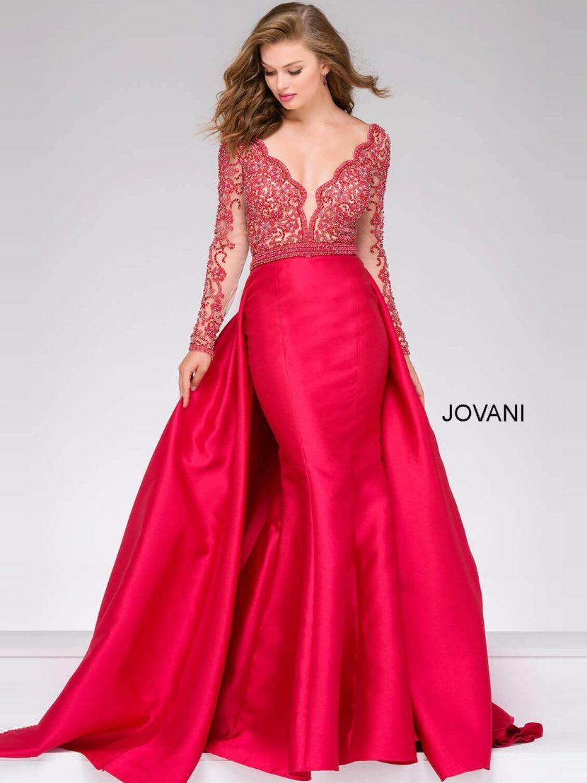 Алое вечернее платье с длинным полупрозрачным рукавом и двойной атласной юбкой.