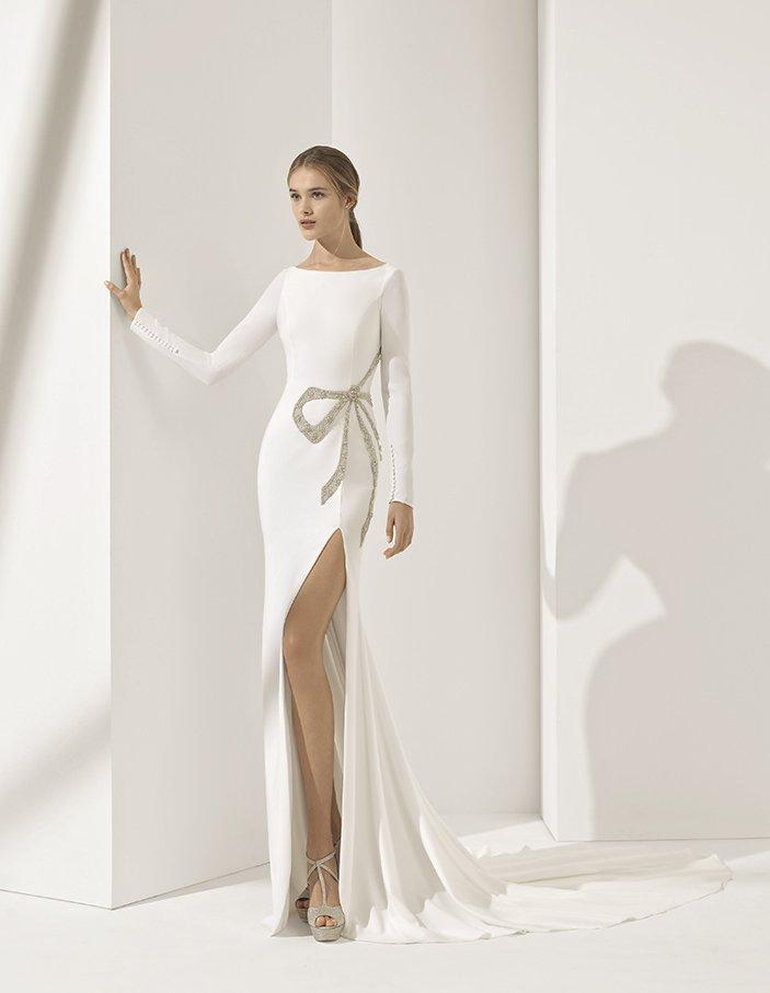 f3132c63555 Еще одно прекрасное решение – свадебное платье Paolo. Это модель