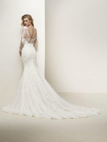 Свадебное платье «русалка» с длинным рукавом и открытой спинкой.