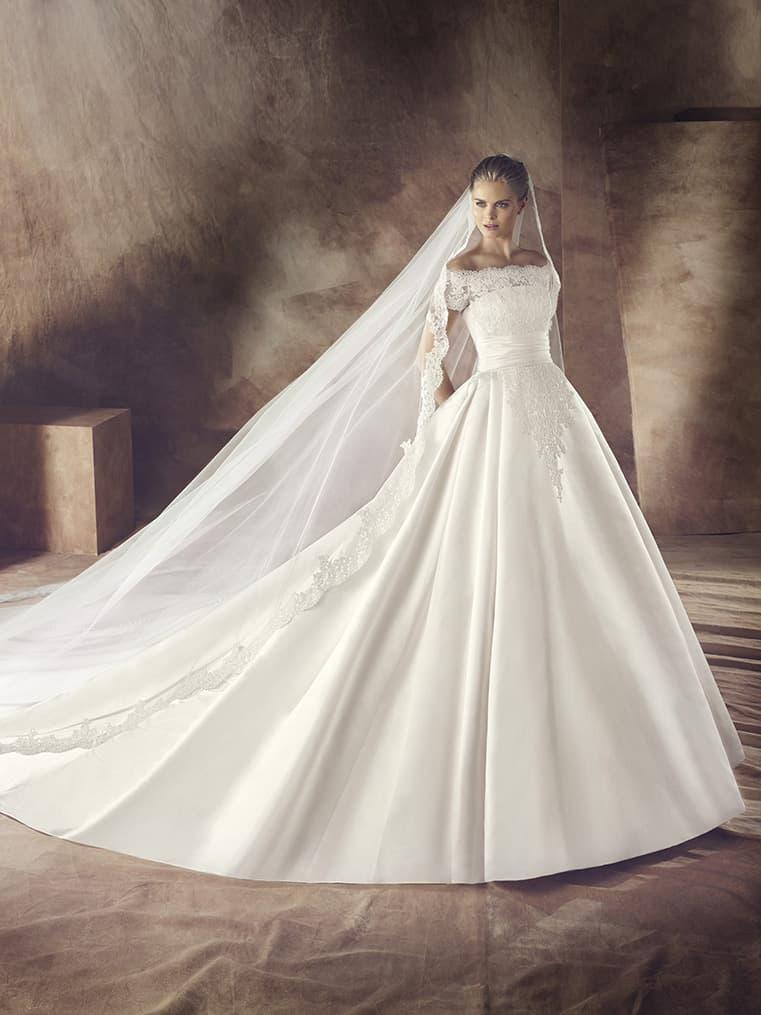 Свадебное платье PASHENKA от Avenue Diagonal 2016.