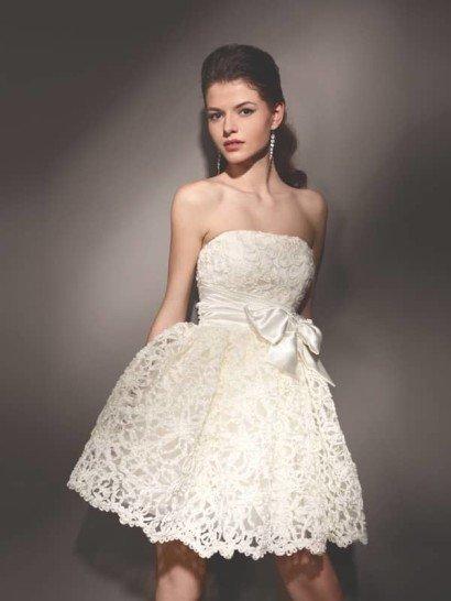 Эксклюзивное недорогое короткое свадебное платье.