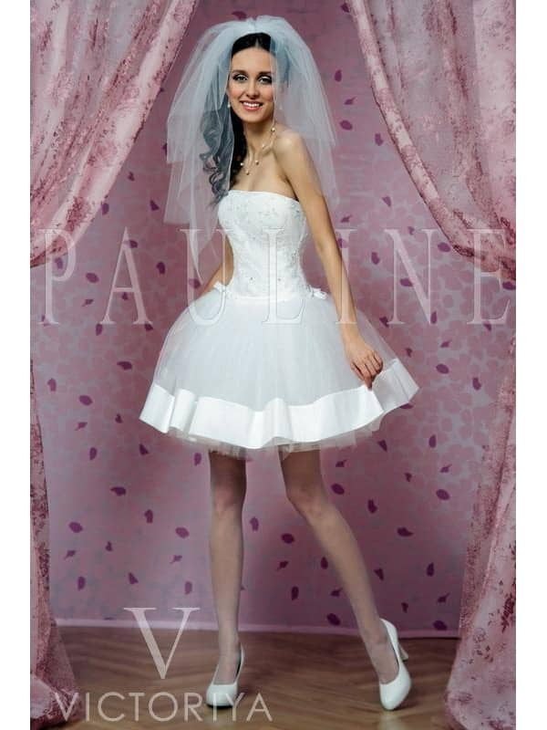 Оригинальное необычное короткое свадебное платье.