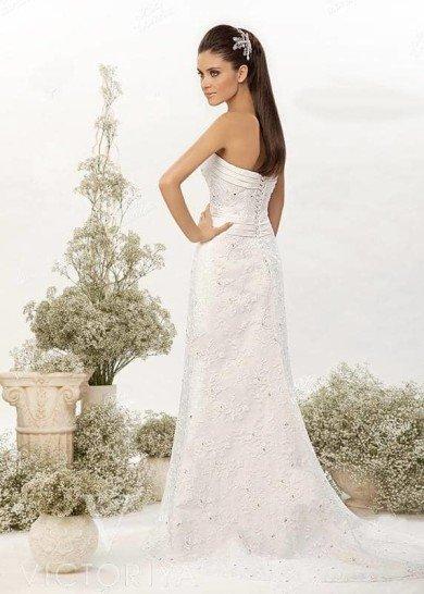 Оригинальное и недорогое свадебное платье подойдет невесте с экстравагантным вкусом.