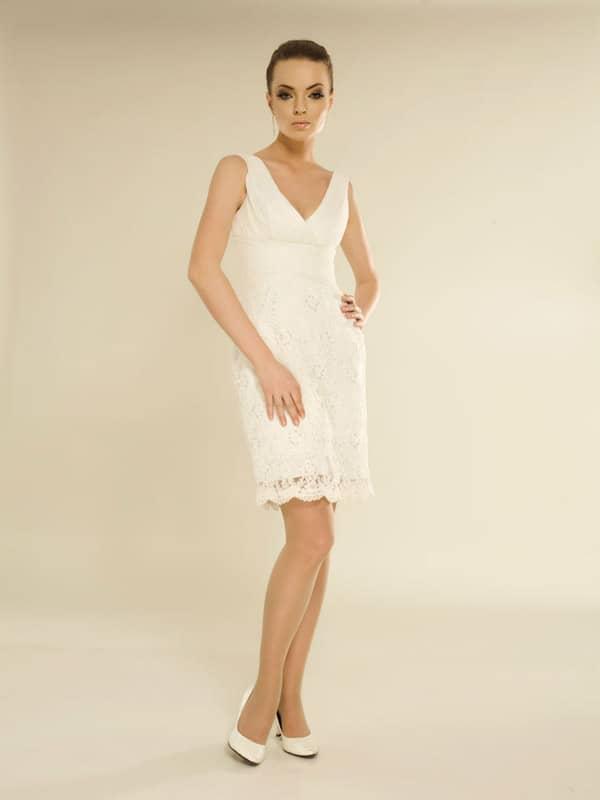 Элегантное короткое свадебное платье в минималистической стилистике. ➌ Примерка и подгонка платьев  ✆ +7 495 627 62 42 ★ Салон Виктория Ⓜ Арбатская Ⓜ Смоленская