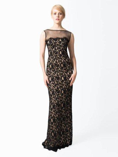 """Кружевное коктейльное платье с прозрачной сеткой в зоне декольте, вырез «лодочка», чёрный/телесный  Появиться в образе Одри Хепберн на предстоящем официальном вечере Вам поможет это элегантное вечернее платье.   Прозрачная сетка придаёт пикантности благопристойному вырезу «лодочка», тогда как стелящийся по полу шлейф гарантирует, что, даже покидая праздник, Вы будете столь же привлекательной, как и в начале.   Усилят гламурный облик взрослой леди каплевидные серьги и высокая причёска.  Детали:  Коттон/нейлон - верх, подкладка – джерси полиэстер Приблизительная длина от линии естественной талии до подола 45"""" Застёжка-молния по центру спинки Сухая чистка"""