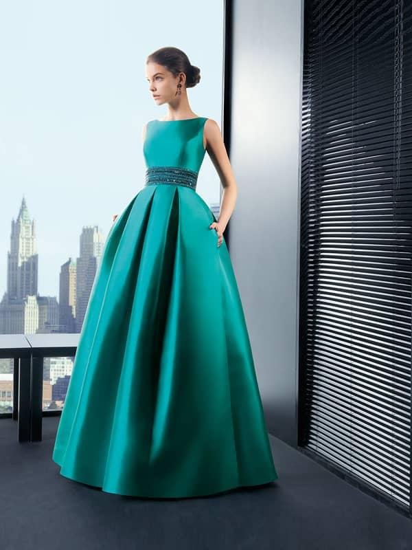 Пышное вечернее платье .