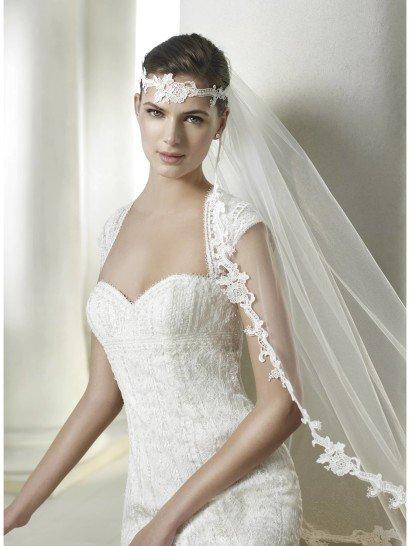 Свадебное платье силуэта русалка.